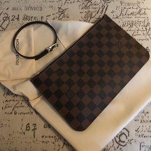 Brand New Louis Vuitton Neverfull Pouch